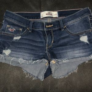 Hollister Shorts Size 26 great condition